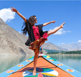 Sometimes the moment is so good I can't help but dance. Loving life 💙 #bestlifeintheworld #pakistan #hunza #travel #photography #wanderlust #nature #colour #dance #travelgram #igtravel #picoftheday #photooftheday #sky #girl #adventure #boat- Photo credits: sopheesmiles + Instagaram.